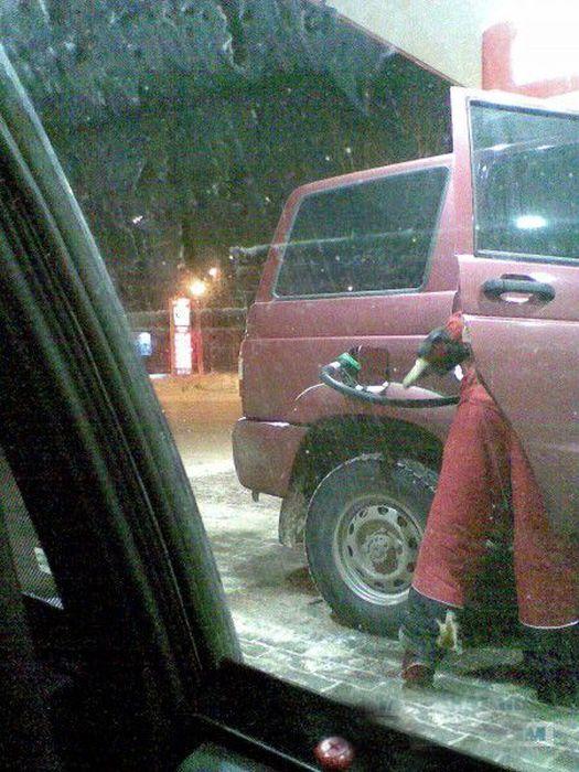 Подборка автомобильных приколов.  (45 фото)