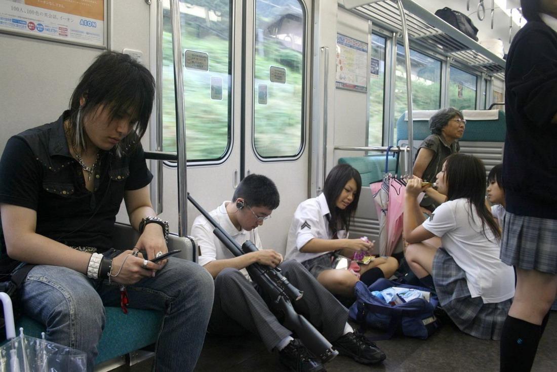 ласки в общественном транспорте видео