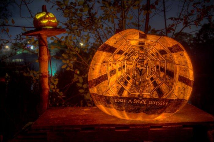 Необычные тыквенные фонарики (15 фото)