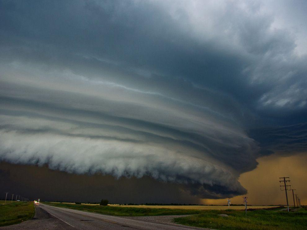 15 лучших снимков торнадо