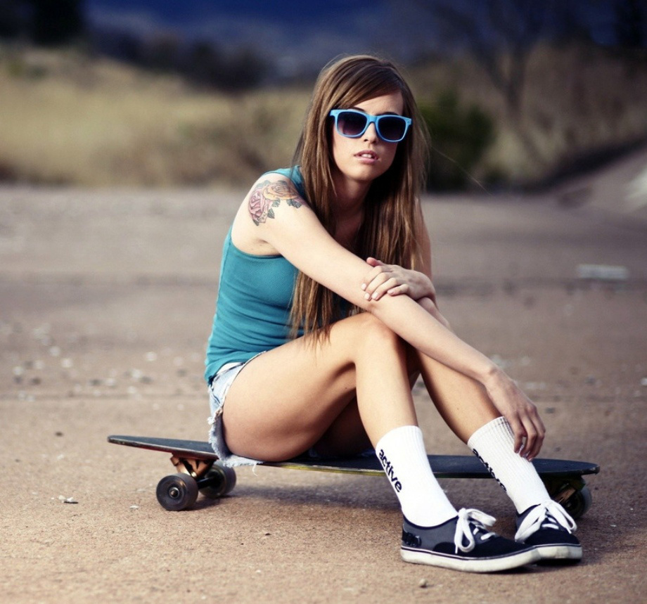 Девочка в шортах фотосет фото 380-544