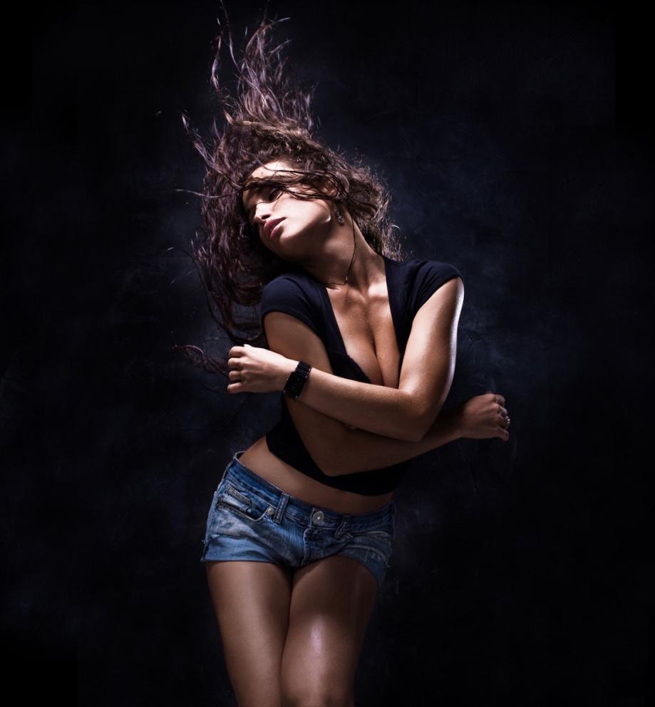 Сексуальные девушки танцуют 4 фотография